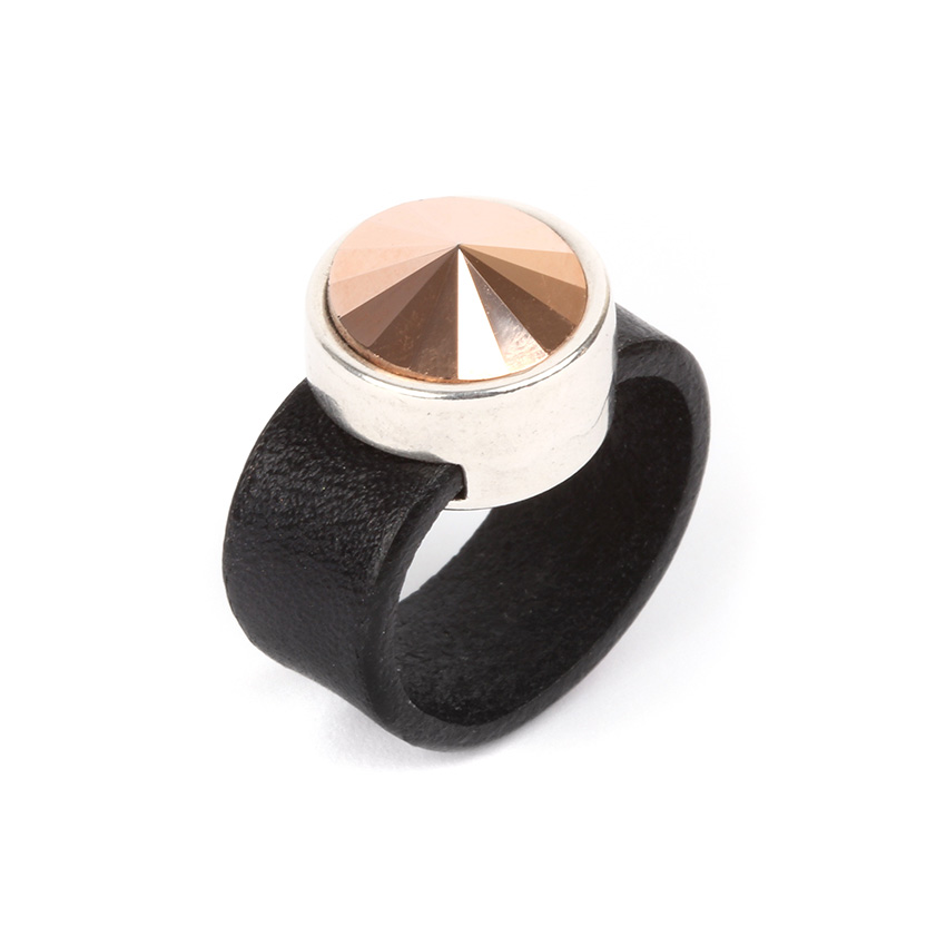 Rivoli Spotlight Ring