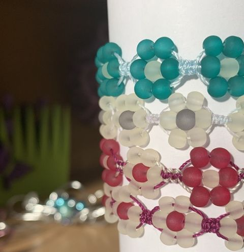 Daisy Macramé Bracelets - jewellery making tutorial