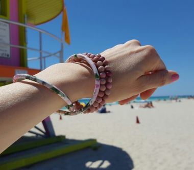 How to make a simple elastic bracelet with semi-precious stones - beginners step by step tutorial