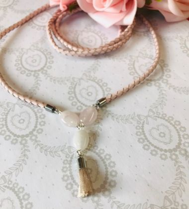 5 Minute Make - How to make a quartz braided leather necklace.