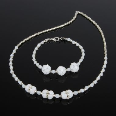 Pinch Beaded Jewellery Set