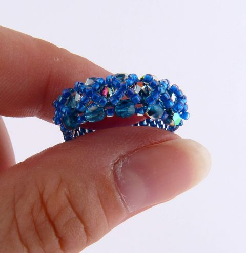 How to make a beaded ring - Odd Count Peyote and RAW stitches