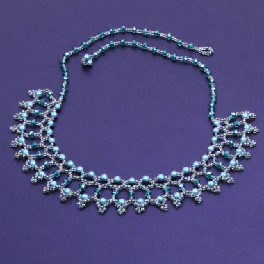 Iridescent Pearl Netted Necklace | Take a Make Break