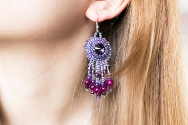 How to make fringed earrings using bonny rivoli - jewellery making tutorial