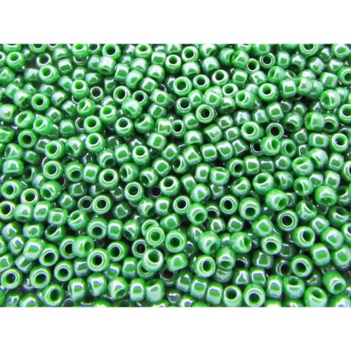 TOHO ™ / Round 11/0 / Opaque Lustered / Mint Green / 10g / ~ 1100pcs