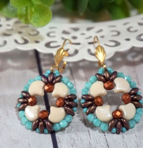 How to make simple earrings with Ginko Beads