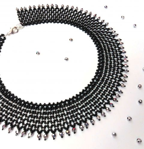 How to make a beaded regal collar– a beaded necklace tutorial