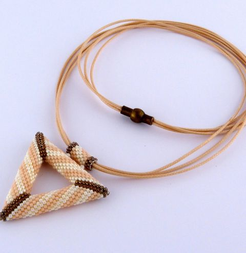 How to make a beaded necklace - A TOHO beaded triangle – jewellery making tutorial