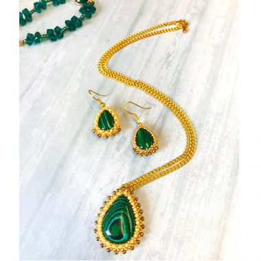 Bezelled Cabochon Earrings and Pendant | TAKE A MAKE BREAK