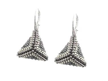 Pyramids - TOHO beaded earrings tutorial
