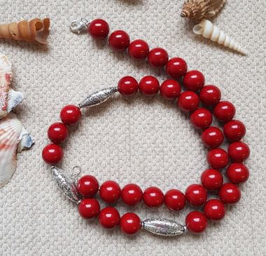 HOW TO MAKE A SIMPLE STRUNG NECKLACE - BEGINNERS JEWELLERY MAKING TUTORIAL