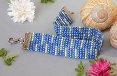 How to make a Beaded bracelet - square flat stitch