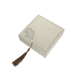 Gift box with tassel / linen / 12x12x4.5cm / 1pcs