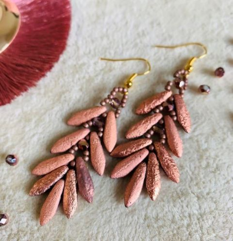 How to make earrings with Daggers beads - Step-by-step jewellery making tutorial