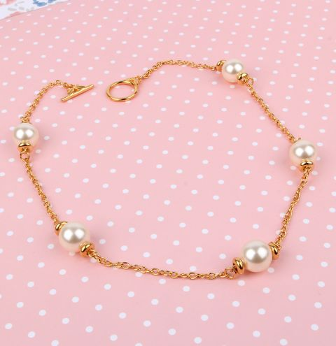Mistletoe Berry Pearl Necklace