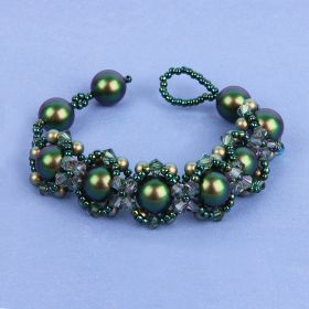 Green Hugs and Kisses Bracelet made with Swarovski - Makes x1