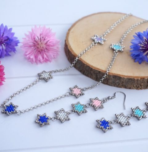 How to make a brick stitch star necklace - jewellery making tutorial