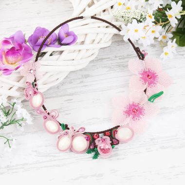 Fabulous Floral Necklace