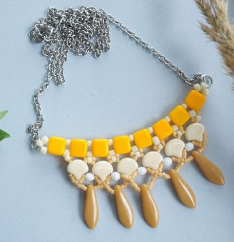 How to make a simple Beaded Bib Necklace - Jewellery Step by Step