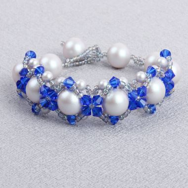 Majestic Hugs & Kisses Bracelet