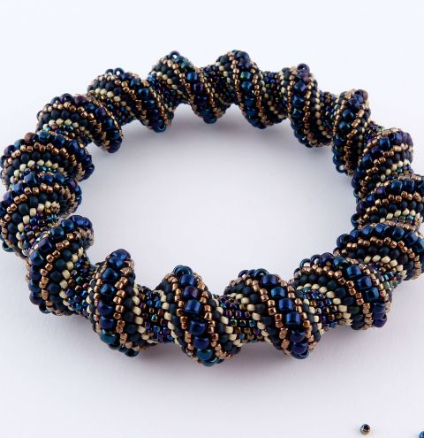 How to make a Cellini bracelet - Tubular Peyote Stitch