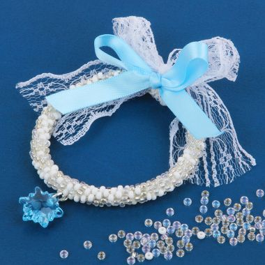 Frosted Festive Wreath Decoration