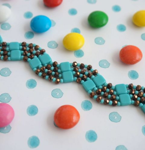 How to make a Zigzag Tile Beaded Bracelet - Step by Step Tutorial