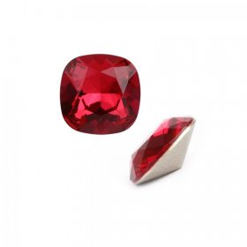 4470 Swarovski Crystal Square Fancy Stone 10mm Scarlet F Pk1