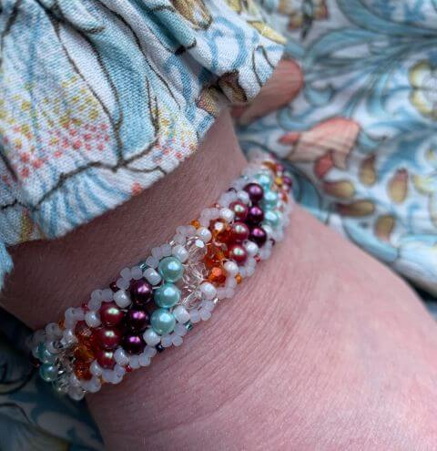 The Norah Bracelet - Right Angle Weave (RAW) Tutorial