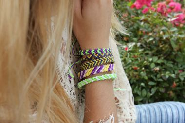 How to make friendship bracelets - Bracelets made of cord step by step tutorial