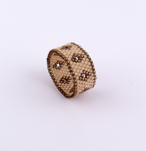 How to make a ring using TOHO beads - The Odd Count Peyote Stitch step by step