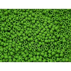 TOHO ™ / Round 15/0 / Opaque / Mint Green / 10g / ~ 1400pcs