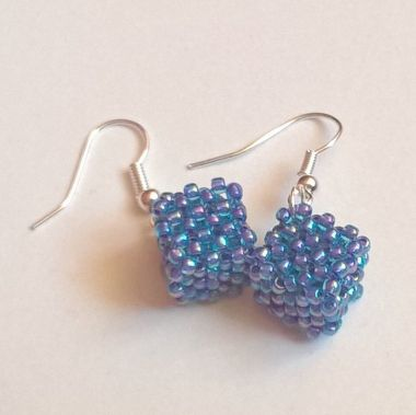 How to make TOHO beaded earrings – the CUBIC RAW tutorial