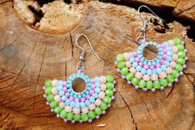 How to make beaded fan earrings – A jewellery making tutorial