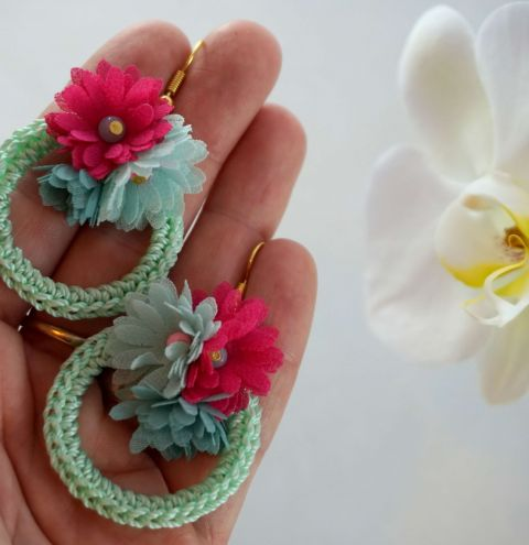 How to make earrings on a base - Spring crochet earrings tutorial