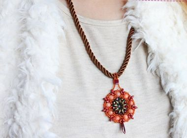 How to make a Czech beaded necklace - Jewellery making tutorial