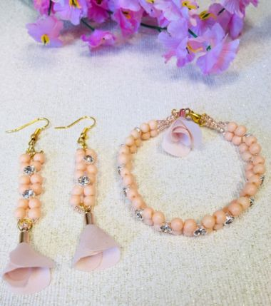 How to make a beaded bracelet and matching earrings