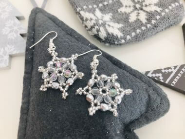 How to make a snowflake pendant - jewellery making tutorial