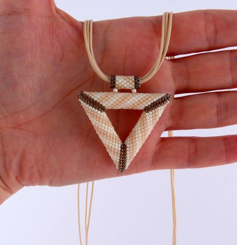 How to make a beaded necklace. A TOHO beaded triangle – jewellery making tutorial