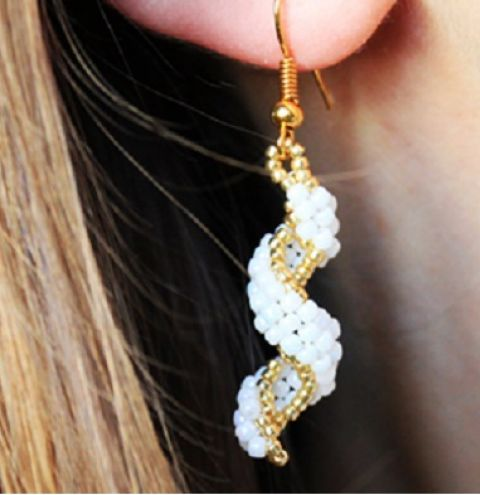 How to make twisted brick stitch earrings - Jewellery making tutorial