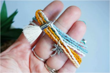 How to make a bracelet with a magnetic slide clasp - A simple DIY TOHO Treasure bracelet