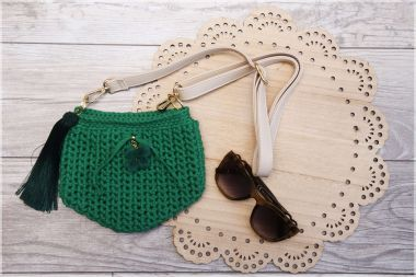 How to make a simple crochet purse – a crochet step by step tutorial