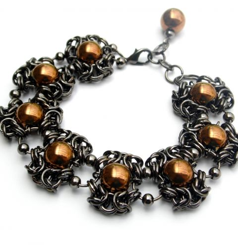 How to make chainmaille jewellery – a byzantine Romanov weave
