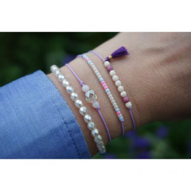 How to make a simple string bracelet