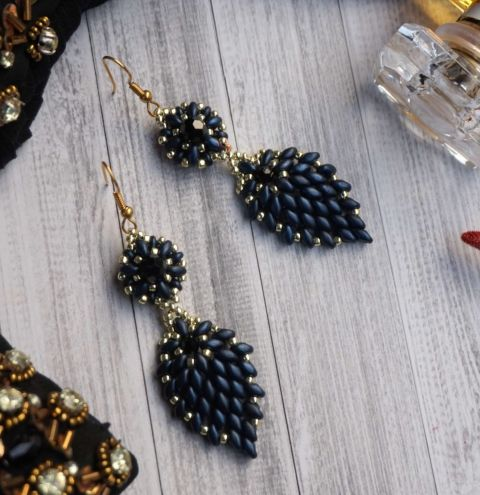 How to make elegant earrings from SuperDuo beads?