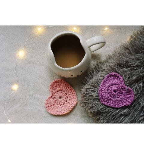 How to make a crochet heart Cup coaster