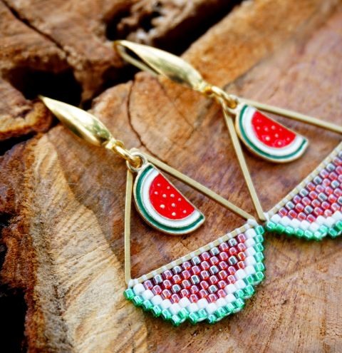 How to make watermelon earrings using geometric bases – a Brick Stitch tutorial